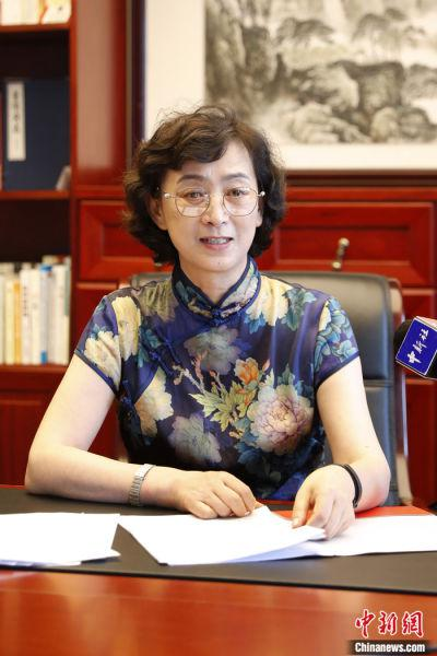 图为7月30日,吴国华在北京接受专访。