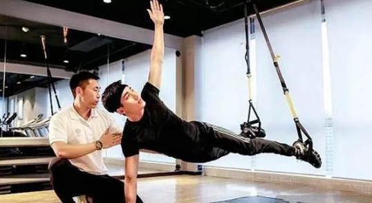 灵鸽APP健身监督师:从零开始,一周变身健身达人
