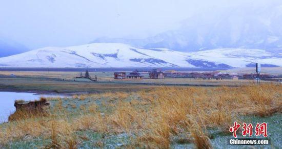 雪后草原风光迷人。王超 摄