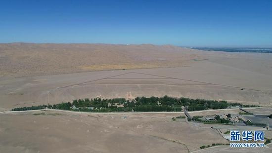 这是敦煌莫高窟全景(7月6日摄,无人机照片)。新华社记者 刘诗平 摄