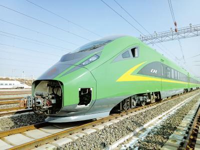 时速160公里动力集中动车组在兰渝线兰州至姚渡、兰州至陇南间进行有动力运用试验。 何怡璇摄