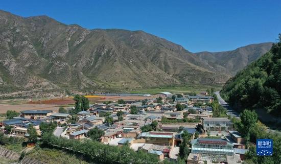 这是9月11日拍摄的甘肃甘南卓尼县木耳镇力赛村(无人机照片)。 新华社记者 陈斌 摄