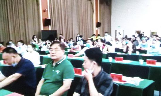 张立新,崇高健康大舞台副总指挥长、华南工作委员会执行总指挥长、中国为人民服务崇高志愿者管理中心执行主任