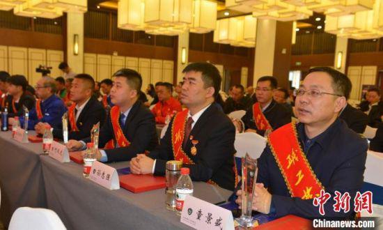 图为获奖的职工发明之星等代表。甘肃省职工技术协会供图 甘肃省职工技术协会供图