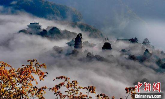 图为甘肃崆峒山景色。(资料图) 徐振华 摄