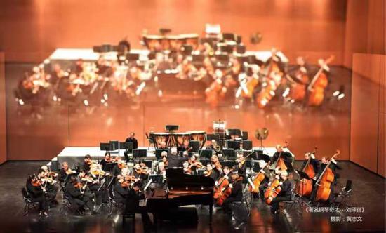 德国广播交响乐团演奏刘泽锴的原创音乐