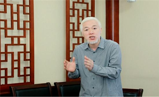 中国留学人才发展基金会一带一路研究院《寻根长城》课题组负责人张明弘