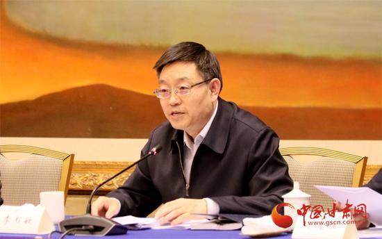 省经济合作局局长、兰治会办公室主任李书敏作介绍