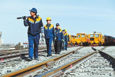 在徐媛媛眼里保证铁路安全就是使命,确保设备施工质量全优才显担当。