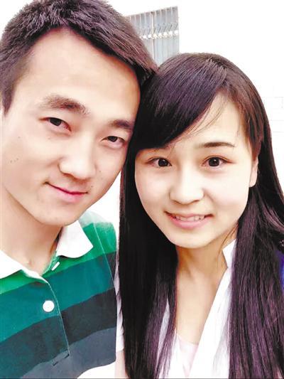 张杰和女友白杨的合影。图片由张杰提供