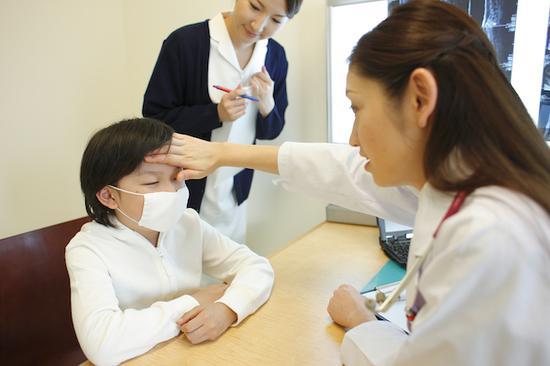 误区一:一发烧就跑急诊反致交叉感染