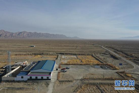 这是1月8日拍摄的甘肃安南坝野骆驼国家级自然保护区冬格列克保护站(无人机照片)。新华社记者 杜哲宇 摄
