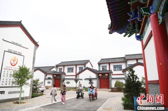 2020年7月16日,甘肃张掖市甘州区速展村新农村面貌。(资料图) 杨艳敏 摄