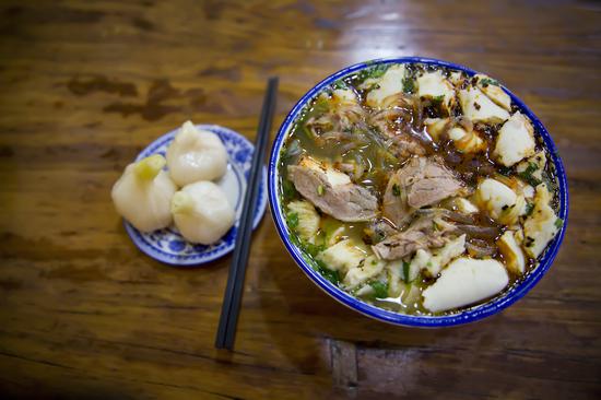甘肃最经典的羊肉泡馍 视觉中国 图