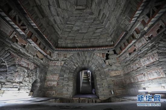 这是2月25日拍摄的嘉峪关新城魏晋墓群六号墓前室,六号墓是一座典型的三室墓,由前、中、后三个墓室组成。新华社记者 马希平 摄