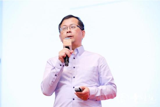 全球知名金融专家、长江商学院金融系主任曹辉宁教授
