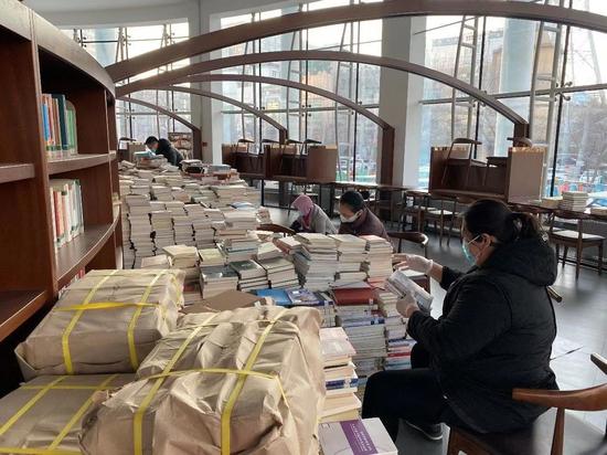 黑龙江图书馆进行借阅创新文献加工