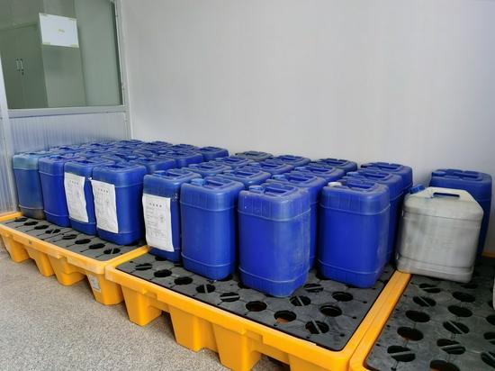 兰州工业学院顺利完成危险化学试剂废液转运处置工作
