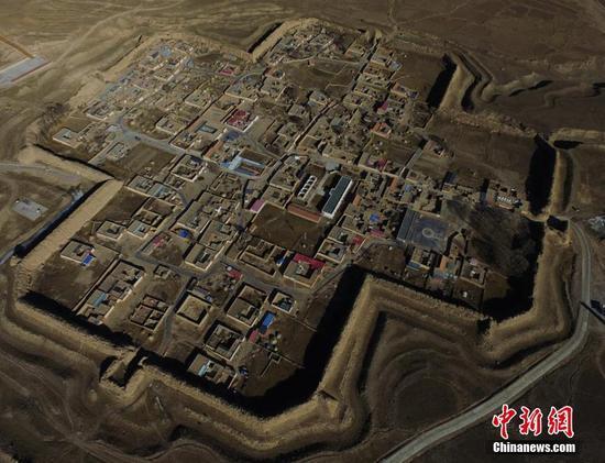 城内居住着100户人家,被称为八角村。杨艳敏 摄