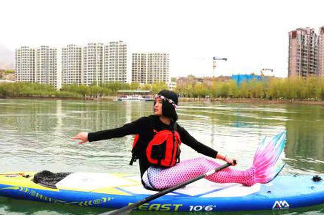 """临夏永靖泛""""舟""""太极湖畔 引众感受水上运动魅力"""
