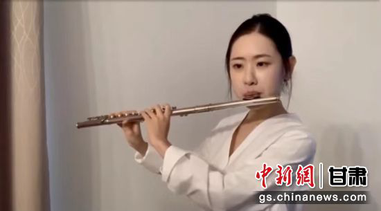 笛子演奏《梁祝》。