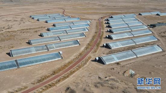 这是3月4日拍摄的民勤县沙漠腹地一处现代农业产业园(无人机照片)。新华社记者 郎兵兵 摄