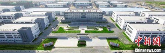 兰州经济技术开发区建于1993年,2002年经国务院批准,成为甘肃首家国家级经济技术开发区。图为航拍的西部药谷。