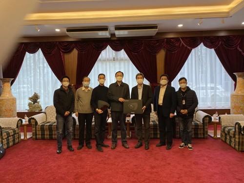 联想、闪联为北京市科学技术委员会、海淀教委、街道捐赠设备