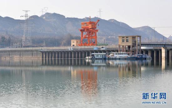这是位于甘肃省临夏回族自治州永靖县的刘家峡水库(2021年1月3日摄)。新华社发(史有东 摄)
