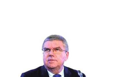 12月5日,国际奥委会主席巴赫在瑞士洛桑出席新闻发布会。□新华社照片