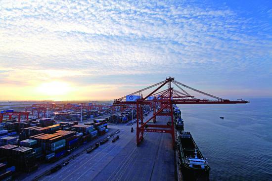 钦州港吞吐量逆势双增长