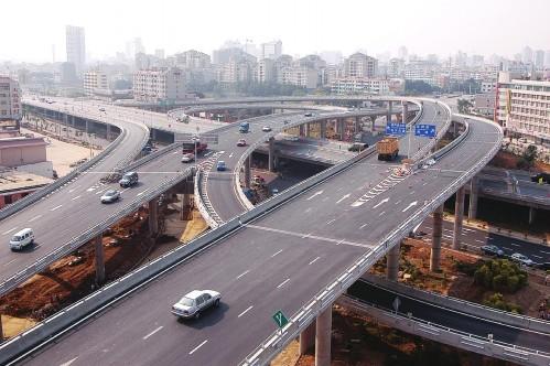 南宁东西向快速路工程正全速推进 明年4月完成建设