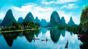 """坐动车去广西这里 看""""中国最美倒影"""""""