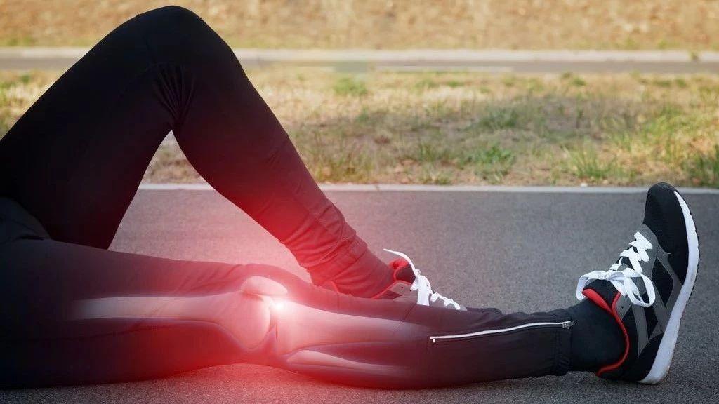 """好膝盖是跑出来的!骨科专家教你5步""""壮膝跑步法"""""""