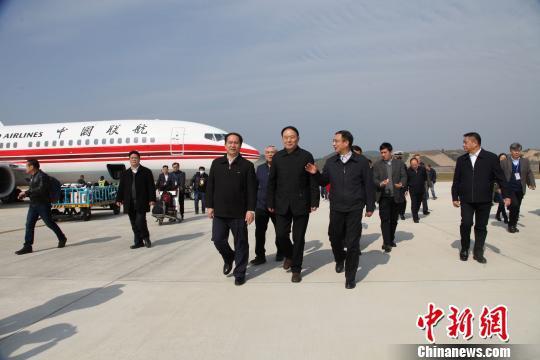 1月23日,广西梧州西江机场首航仪式现场。 杨志雄 摄