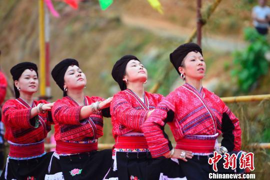 """广西龙胜瑶族""""古耕节""""展现农耕美(图)"""