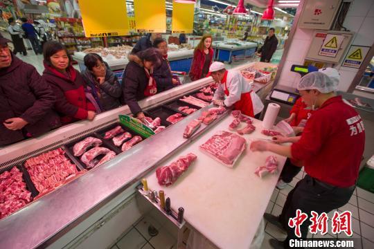 皇冠比分网站|官网南宁出台干预政策 指定农贸市场限量限价销售猪肉