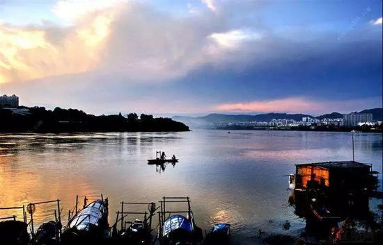 美丽的邕江河