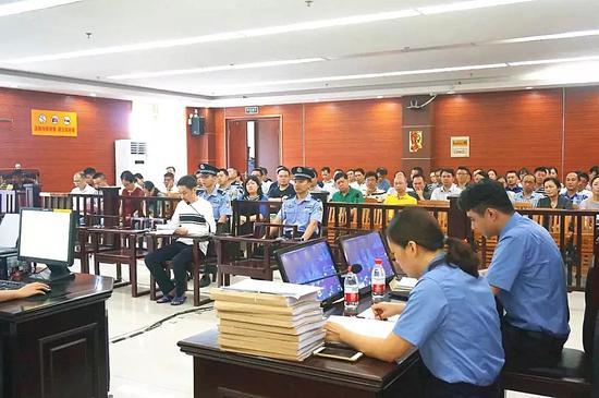被告人苏庆在庭受审
