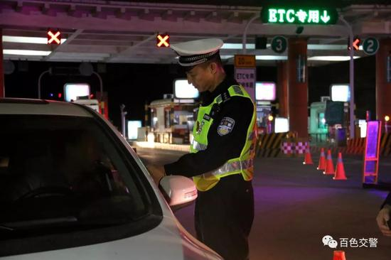 百色持续开展夜查整治 5晚查获交通违法行为1255起