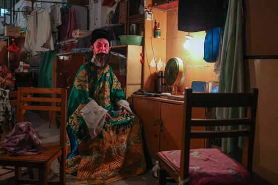 沈其林82岁,原桂剧专业演员。