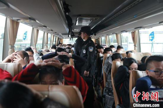 防城港警方跨省收网传销专案 抓获A级老总52名