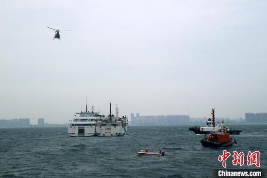 广西北海举行无剧本演习 模拟客船与渔船碰撞
