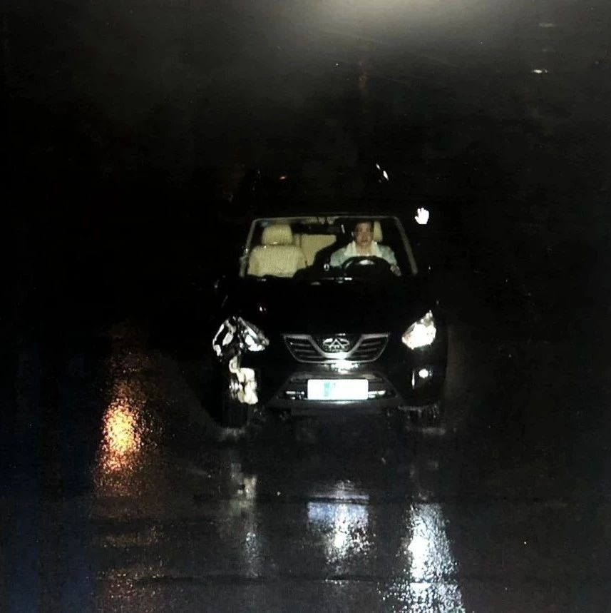 柳州一男子开车撞人后逃逸 被撞的环卫工人当场死亡