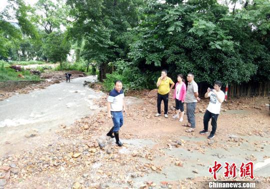 桂林市自然资源局专家组到全州县现场勘察灾情 马德友 摄