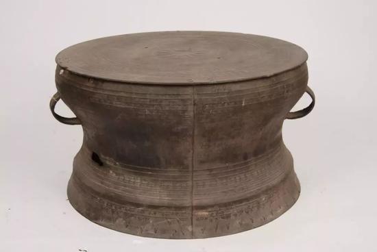 遵 义 型 铜 鼓