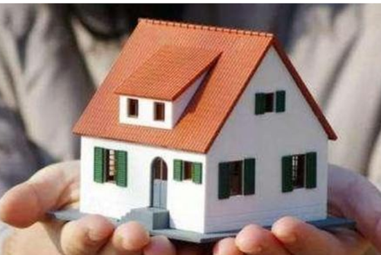 柳州一家人串通中介诈骗他人多套房产 涉案金额近500万