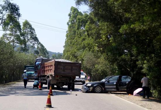 查隐患促整改 柳州交警再次约谈重点运输企业