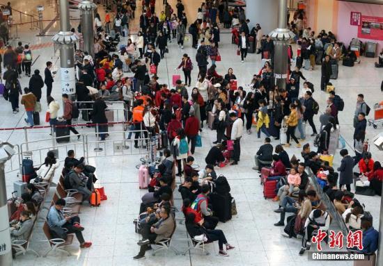 香港复活节首日高铁团爆满 潮汕、桂林成热门目的地