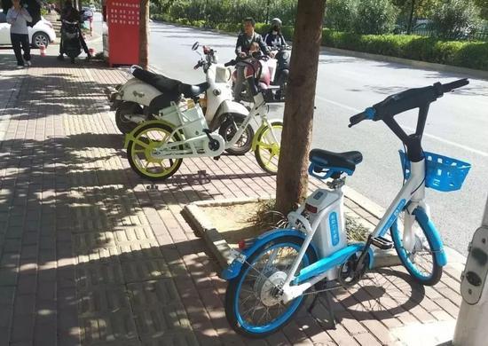 南宁人注意了!街头的无牌共享电动自行车不能上路